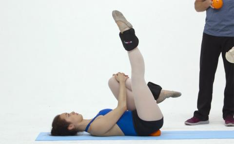Gymnastics drills - Human Kinetics, strong pelvic girdle